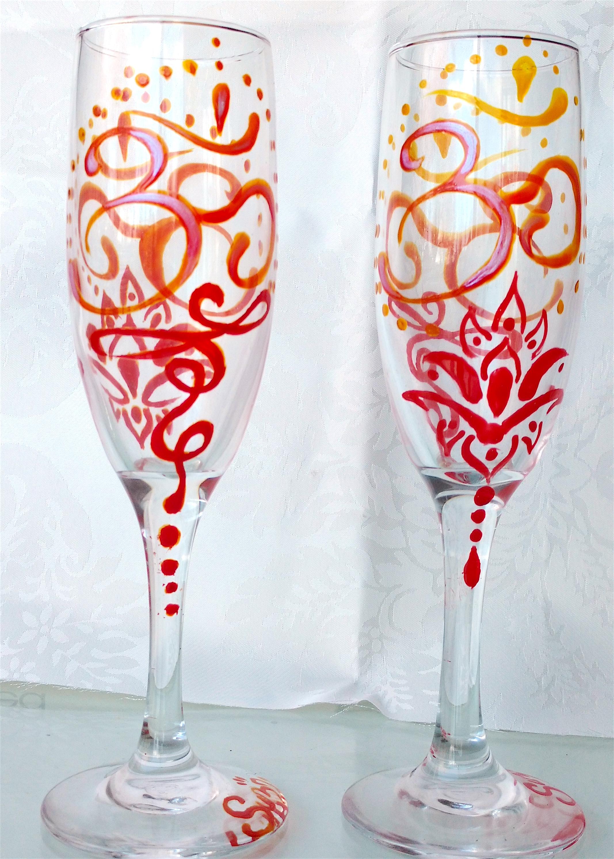 Om champaigne glass